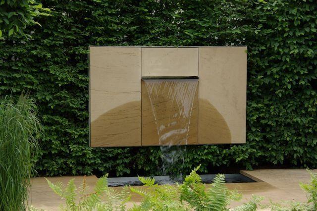 Woda w ogrodzie: staw, oczko wodne, strumień, fontanna, kaskada