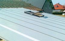 Wymiana pokrycia dachowego bez wymiany więźby dachowej. Kiedy jest to możliwe?