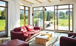 Duże okna tarasowe: jakie są ich ceny? Czy ich montaż wiąże się ze zwiększoną utratą ciepła w domu?