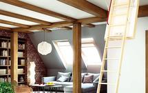 Montaż schodów na strych. Jak je prawidłowo zamontować, by ograniczyć straty ciepła?