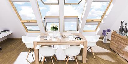 Zastosowanie dużych okien balkonowych na poddaszu