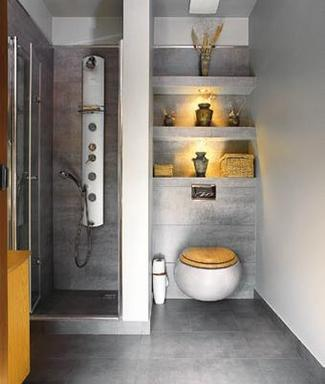Pomysłowa ściana nad wc