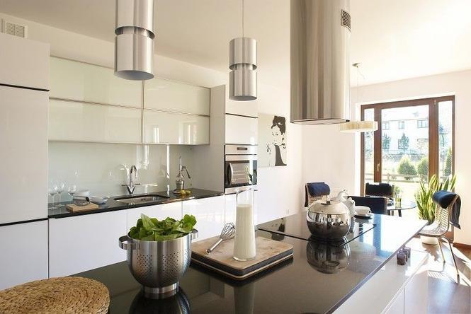 Kuchnia otwarta. Jak urządzić kuchnię połaczoną z salonem? ZDJĘCIA