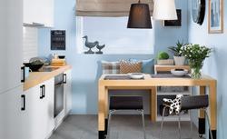 Super stół do kuchni. Zobacz trzy ciekawe aranżacje małej kuchni